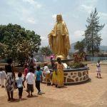 Statut de Marie a la chapelle d'Etoudi