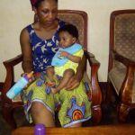 femme africaine, mère attentionnée