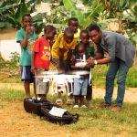 l'école de la technologie: les nouvelles technologies comme outils d'éveil des enfants des quartiers défavorisés.