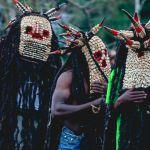 Dance sacree des hommes masques